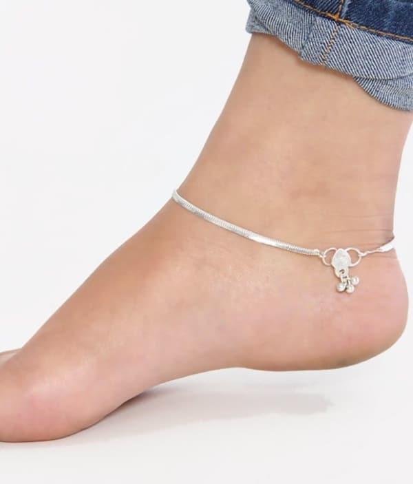 como usar tornozeleira de prata