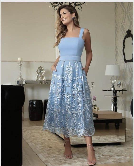 look com vestido midi azul serenity de saia rodada