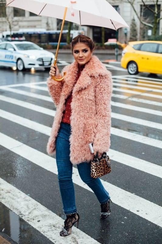 look com casaco de pelo rosa