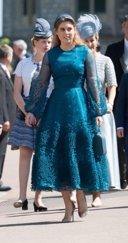 vestido rodado bordado para festa