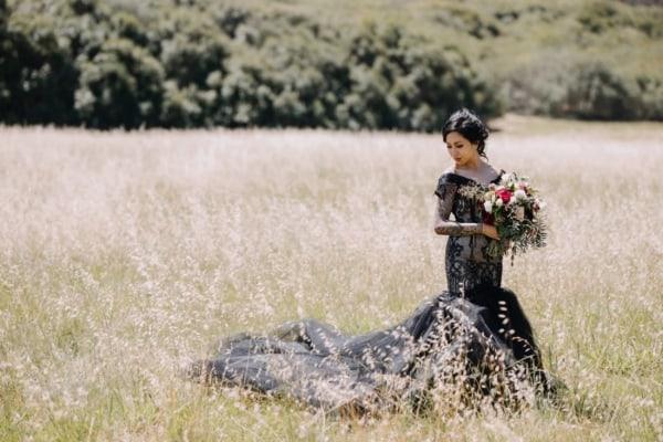 vestido de noiva sereia preto com calda