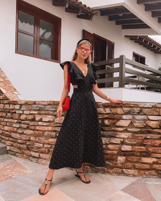 look com vestido rodado midi preto com estampas