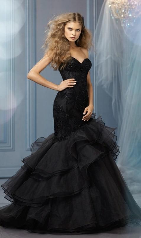 vestido de noiva sereia preto com bordados
