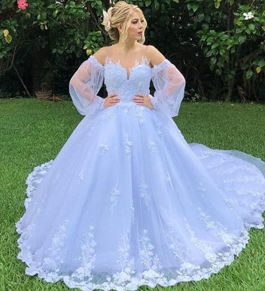 vestido de noiva princesa com manga longa e calda