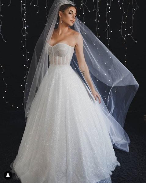 vestido de noiva tomara que caia com brilho