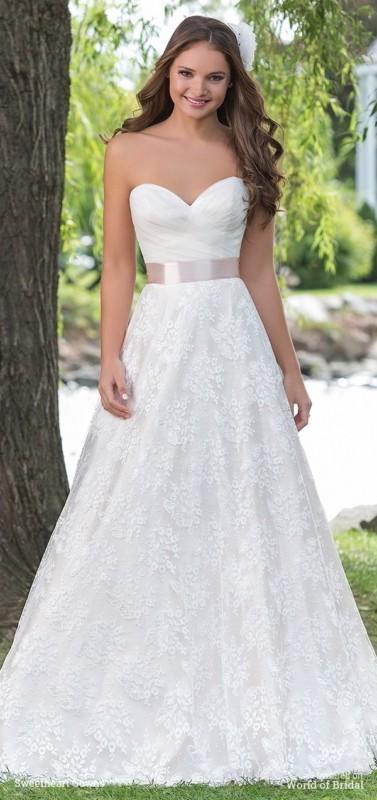 vestido de noiva simples com saia de renda