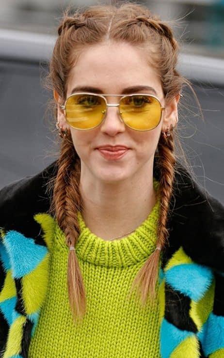 como usar óculos de sol feminino com lente colorida