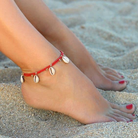 tornozeleira feminina com conchas