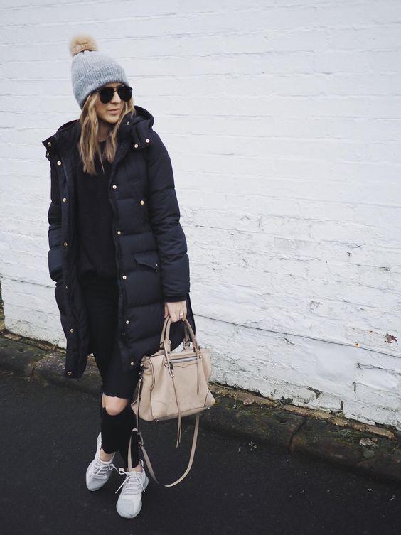 look de inverno com casaco de nylon