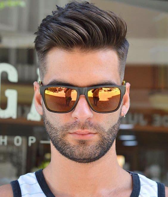 modelo de óculos de sol masculino espelhado