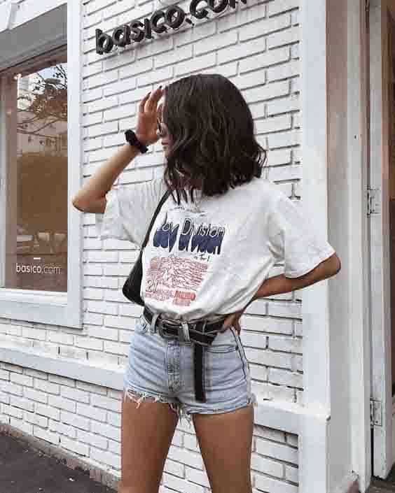 look tumblr com camiseta de estampa e short jeans