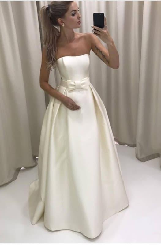 vestido de noiva de cetim com laço