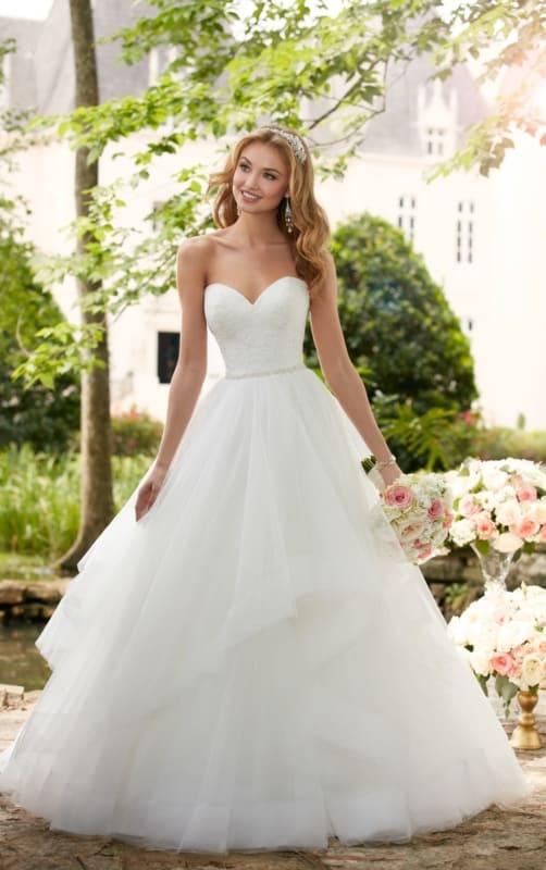 vestido de noiva sem alça e com decote coração