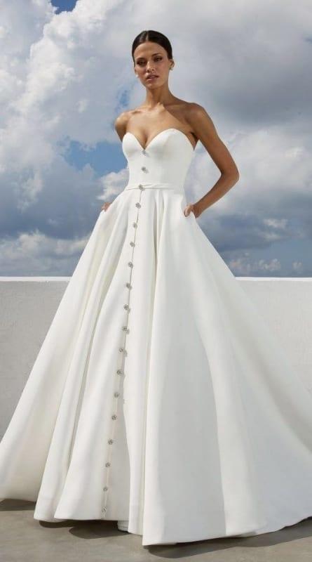 vestido de noiva tomara que caia em cetim com decote coração