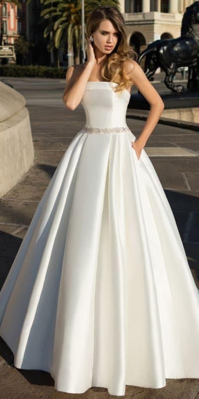 vestido de noiva minimalista tomara que caia