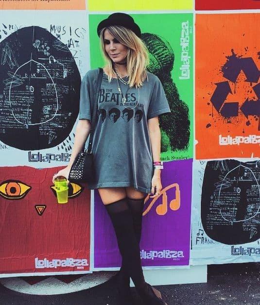 look com camiseta oversized para festival de música