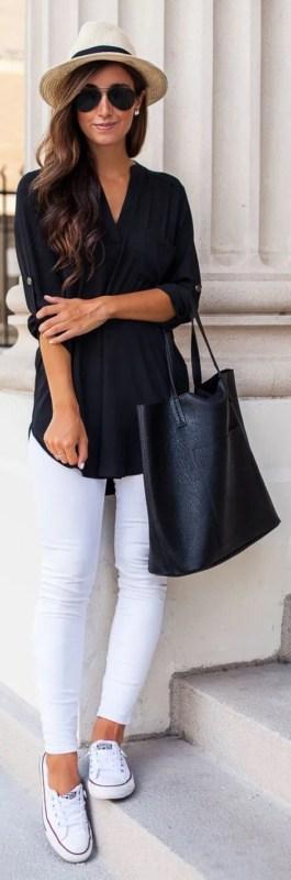 look com tênis e bolsa de couro preta