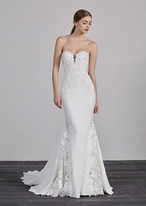 noiva com vestido sereia em cetim e renda
