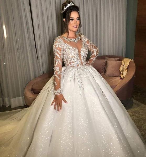 vestido de noiva princesa bordado e com brilho
