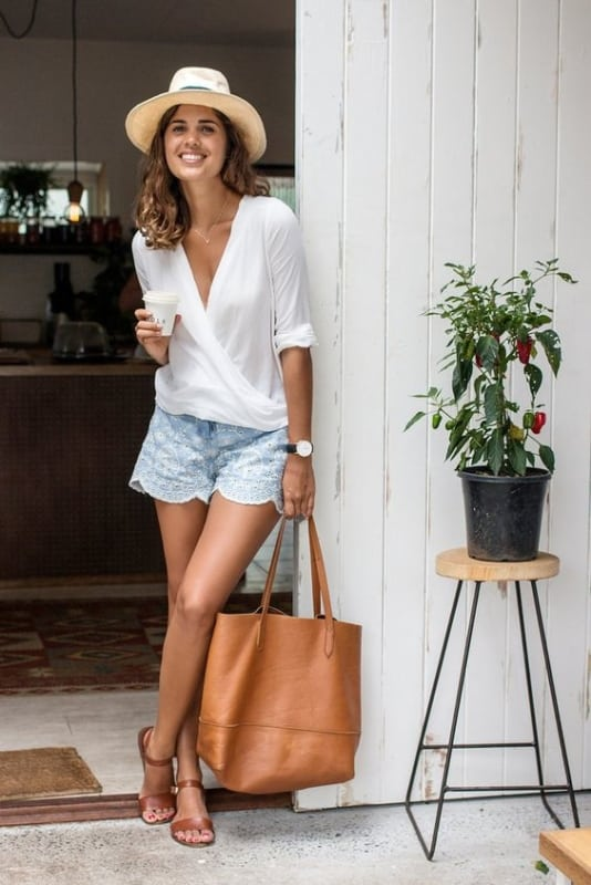 look de verão com bolsa sacola