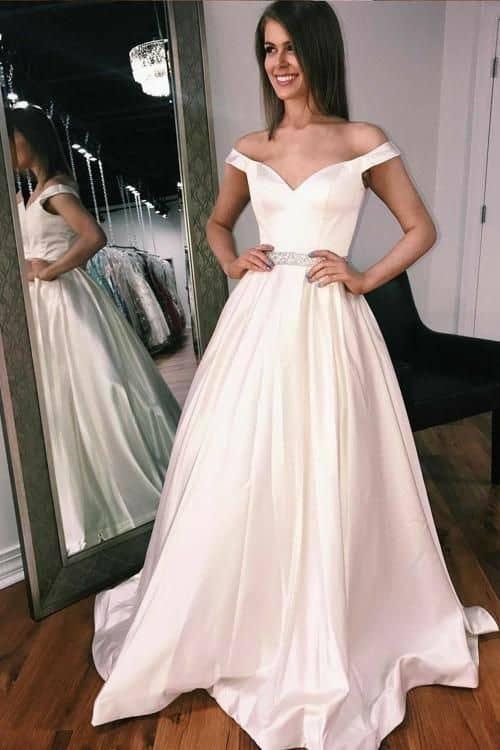 vestido de noiva minimalista estilo princesa