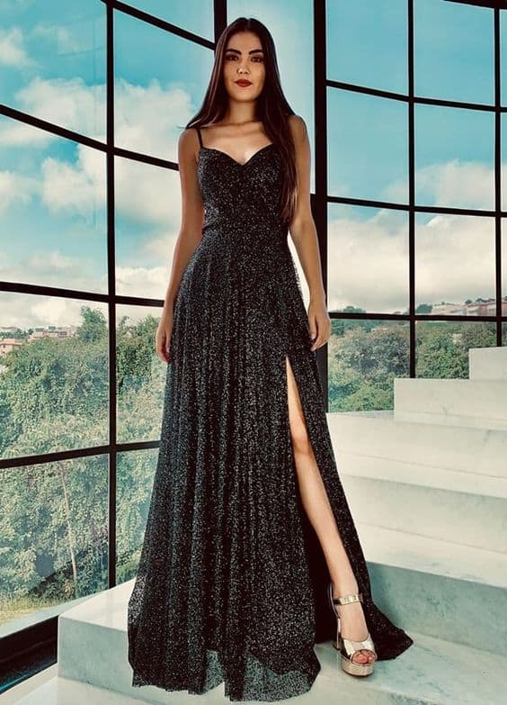 vestido de noiva preto com fenda