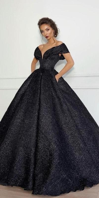 vestido de noiva preto com brilho