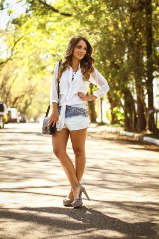 look com short jeans e sandália meia pata