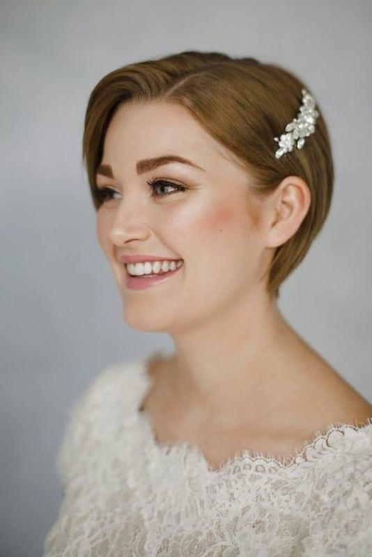 penteado simples para noiva de cabelo curto