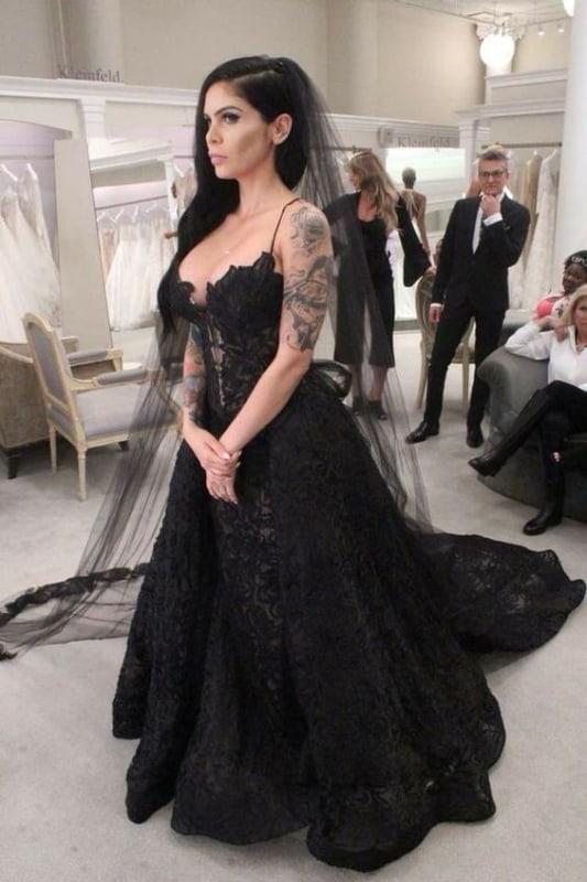 vestido de noiva preto e com renda