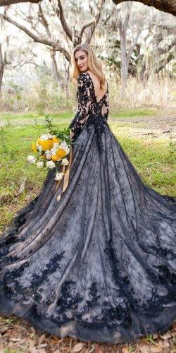 vestido de noiva com forro branco e renda preta