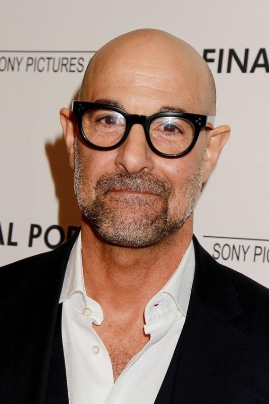 homem com óculos de grau com armação de acetato