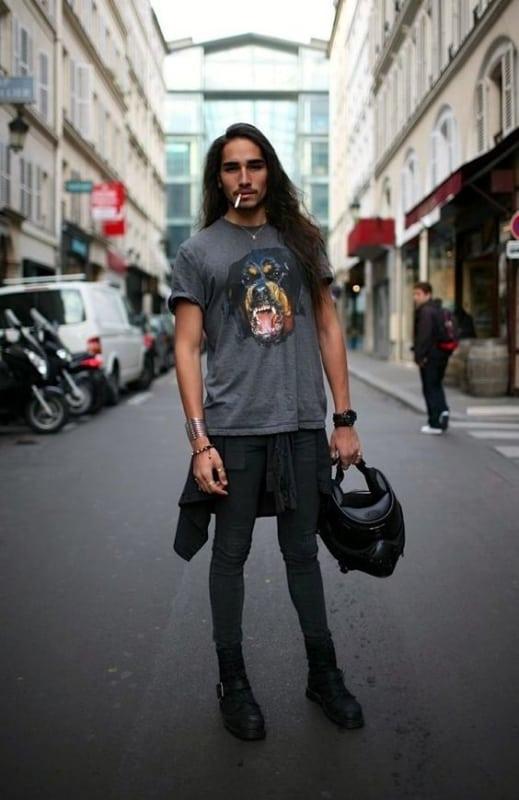 look masculino com bota para Rock in Rio
