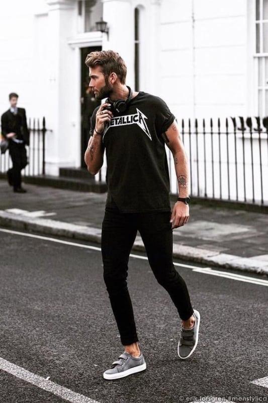 look masculino com camiseta de banda para Rock in Rio