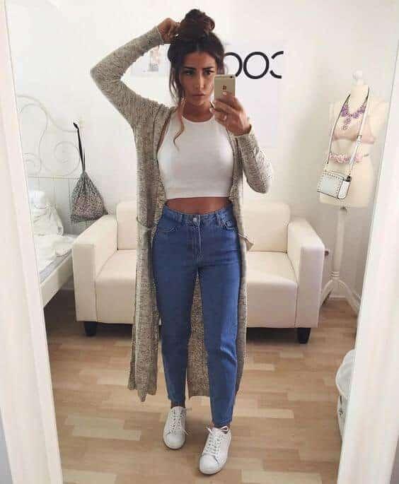 estilo tumblr com blusa branca cropped