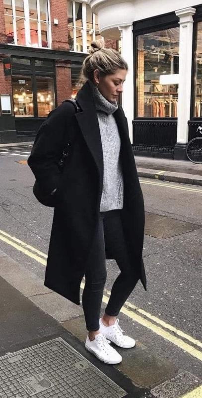 look de inverno com sobretudo preto