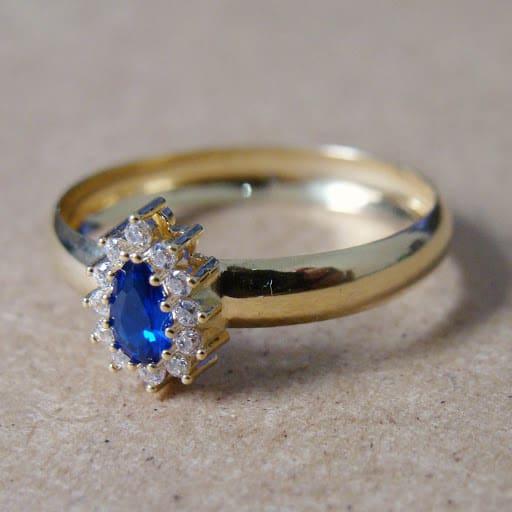 Anel solitário com de ouro 18k com pedra azul gota