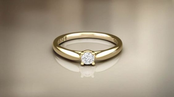 Anel solitário de ouro para noivado