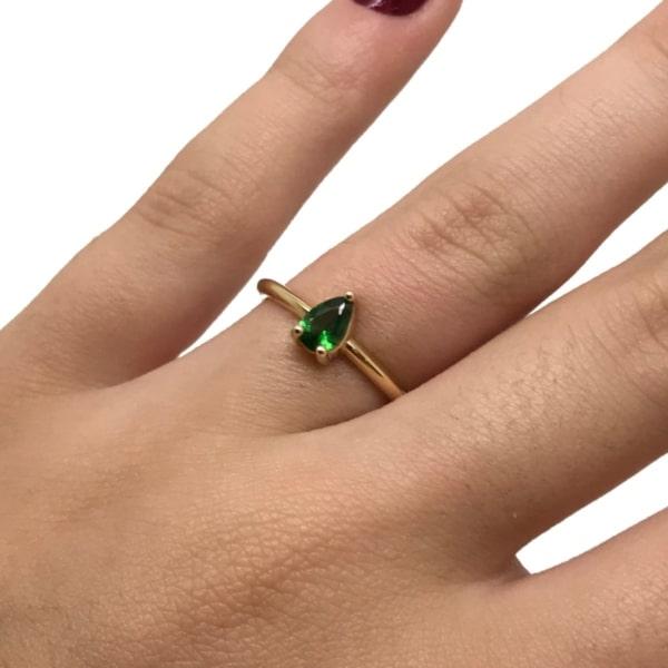 Anel solitário verde esmeralda ouro 18k