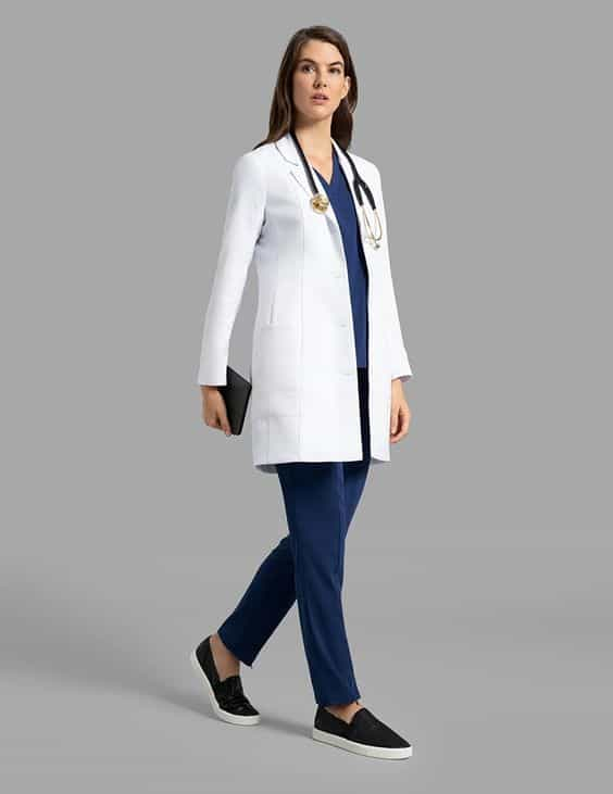 Blusa para trabalhar azul com jaleco branco