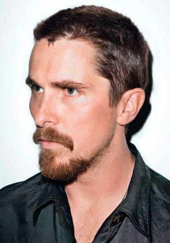 Christian Bale de Bigode e cavanhaque