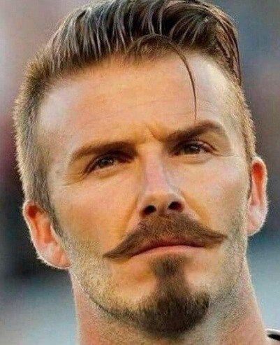 David Beckham de bigode e cavanhaque