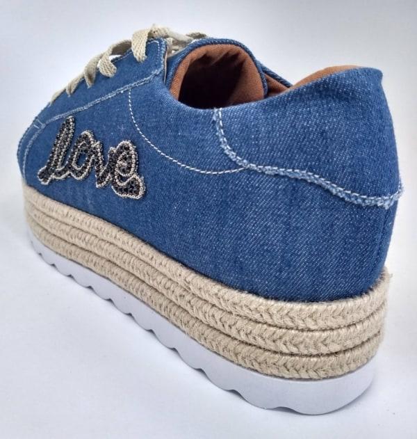 Dica de Tênis jeans feminino com love bordado