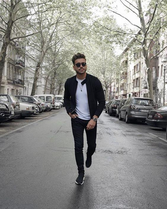 Jaqueta masculina preta de sarja