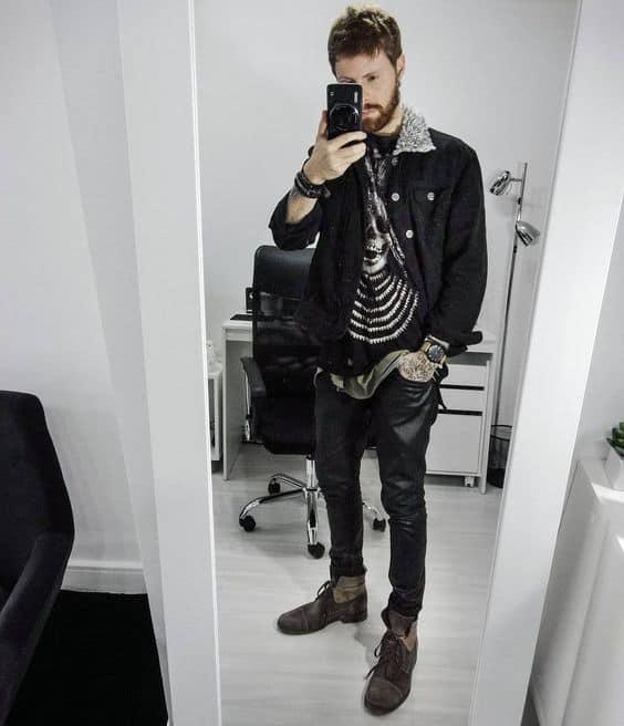 Jaqueta preta masculina de sarja