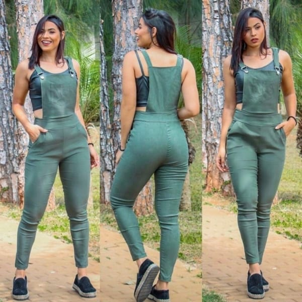 Jardineira feminina verde com alpargata
