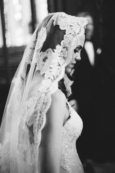 Ensaio de noiva com mantilha