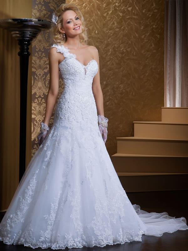 Luvas curtas de noiva com vestido de um ombro só
