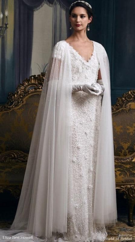 Vestido diferente de noiva com luvas