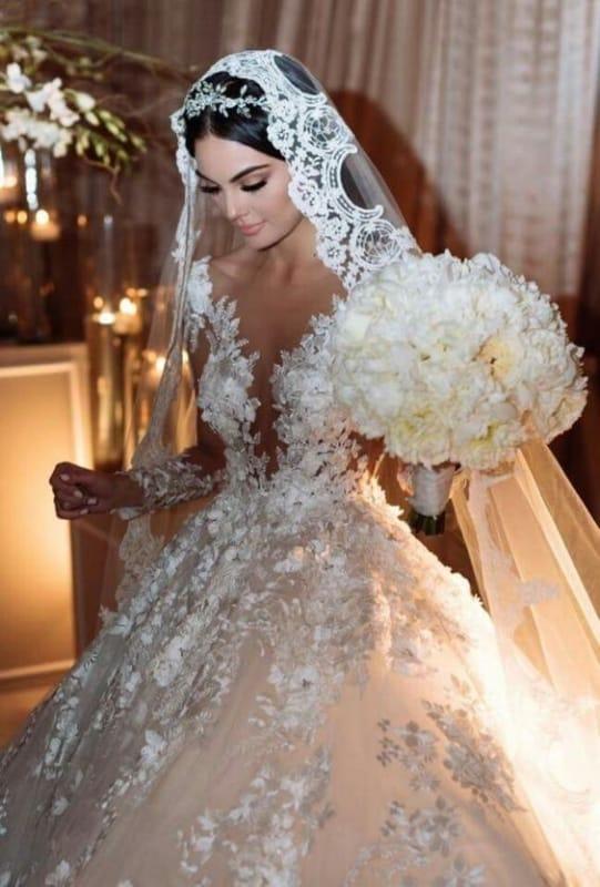Visual chamativo de noiva